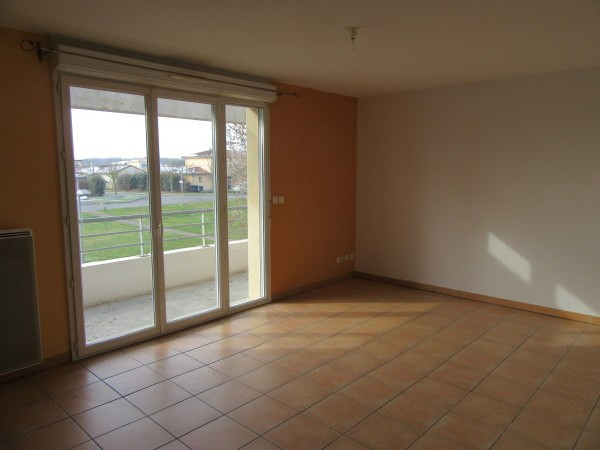 Rental apartment La salvetat st gilles 642€ CC - Picture 1