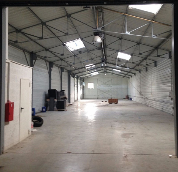 Location Local d'activités / Entrepôt Andeville 0