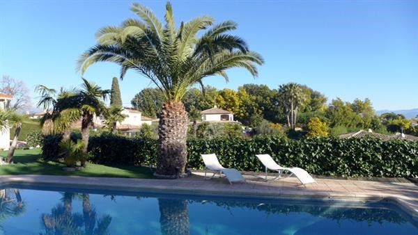 Deluxe sale house / villa Antibes 1680000€ - Picture 8