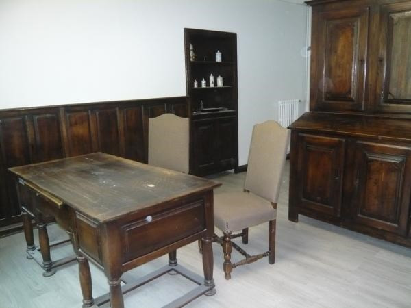 Location local commercial Cremieu 580€ CC - Photo 3