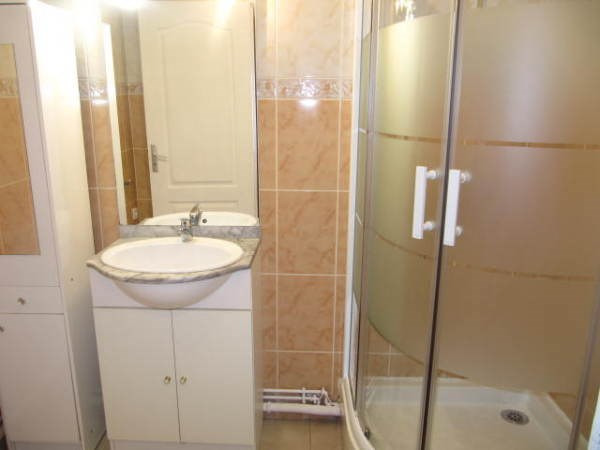 Location appartement Le plessis pate 815€ CC - Photo 5