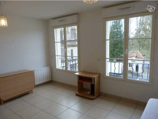 Rental apartment Pontarme 570€ CC - Picture 3
