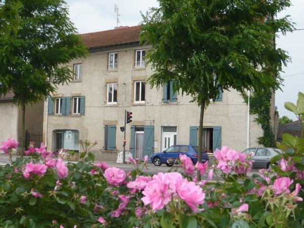 Location appartement Chamagnieu 750€ CC - Photo 1