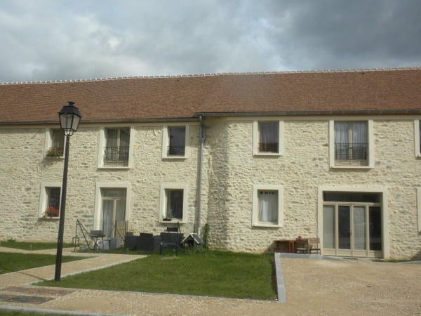 Rental apartment Bouray sur juine 835€ CC - Picture 1