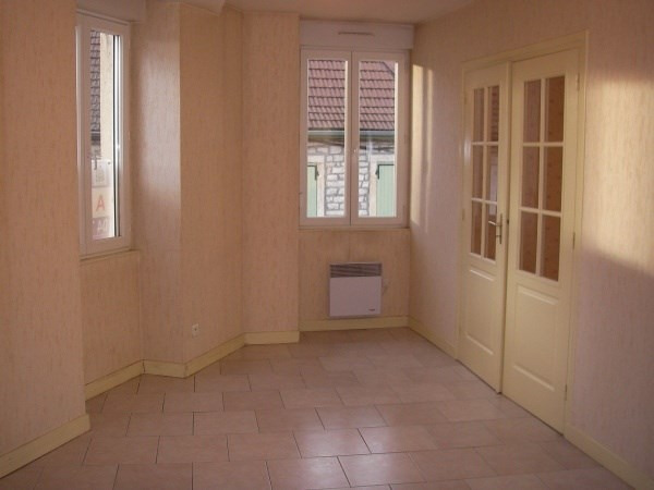 Rental apartment Montalieu vercieu 555€ CC - Picture 1