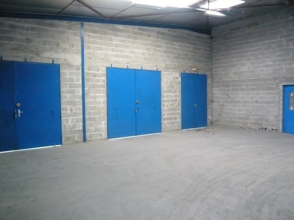 Location local commercial Hieres sur amby 2100€ CC - Photo 4
