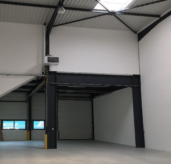 Location Local d'activités / Entrepôt Tigery 0