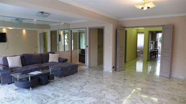 Sale apartment Juan les pins 530000€ - Picture 2