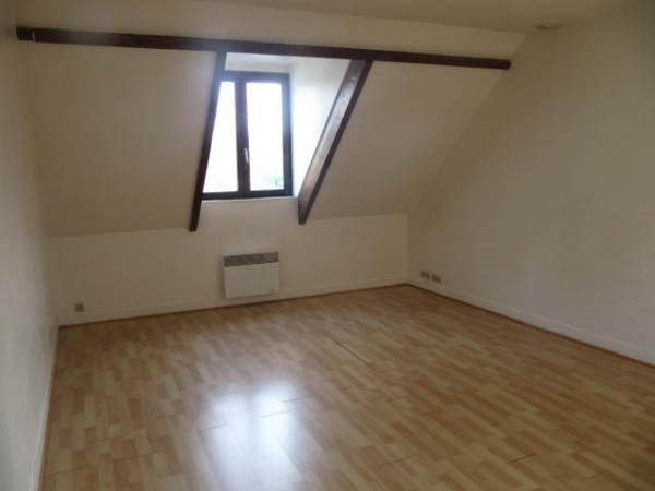 Rental apartment La ferte alais 513€ CC - Picture 2