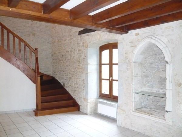 Location appartement Cremieu 590€ CC - Photo 3