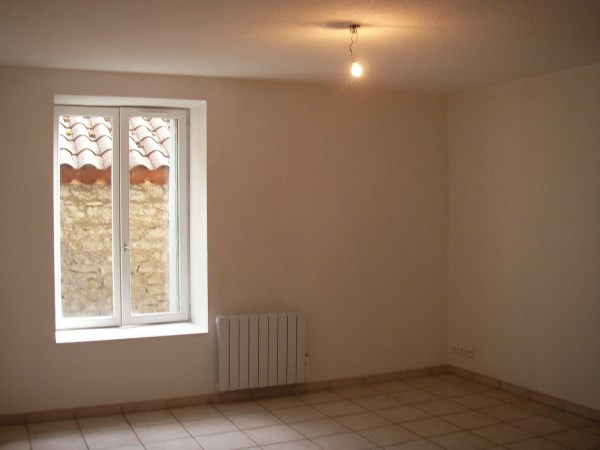 Location appartement Ambronay 350€ CC - Photo 4