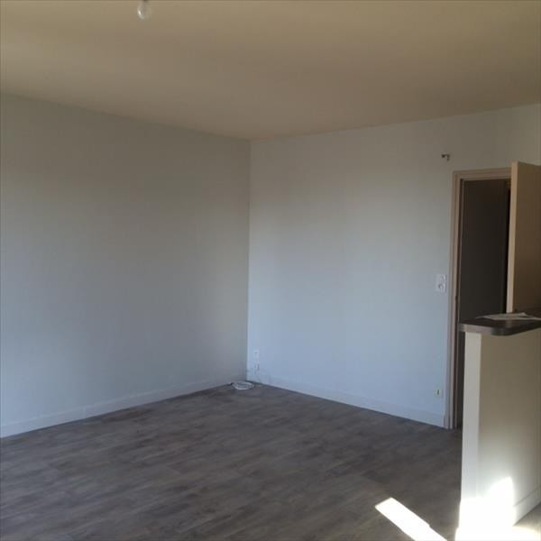 Location appartement Laissac 393€ CC - Photo 2