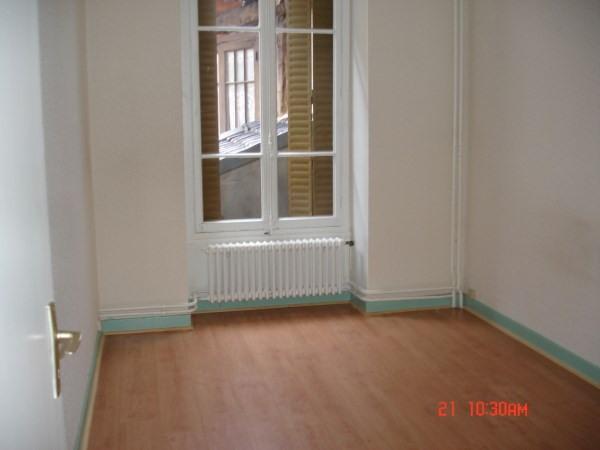 Rental apartment Chamagnieu 430€ CC - Picture 2
