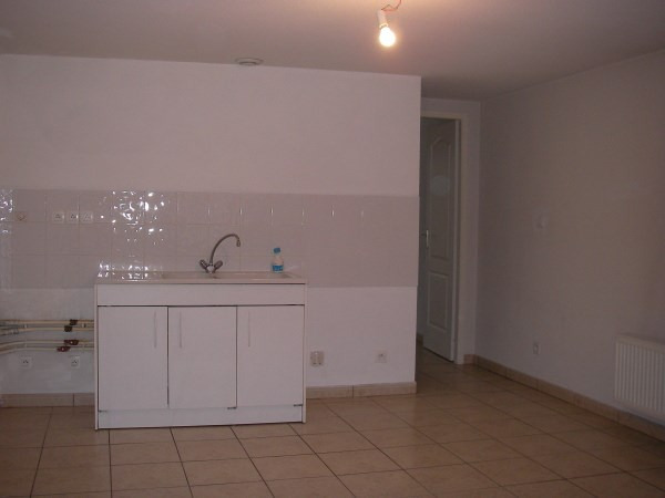 Rental apartment Jujurieux 400€ CC - Picture 2