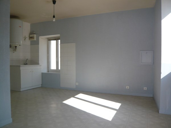 Location appartement Cremieu 467€ CC - Photo 2