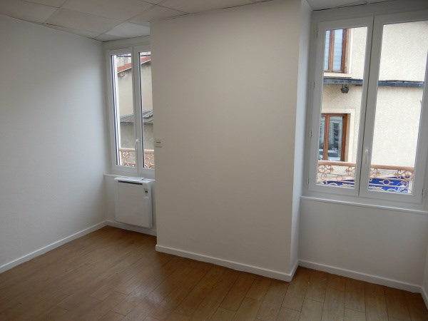 Rental apartment Bourgoin jallieu 885€ CC - Picture 4