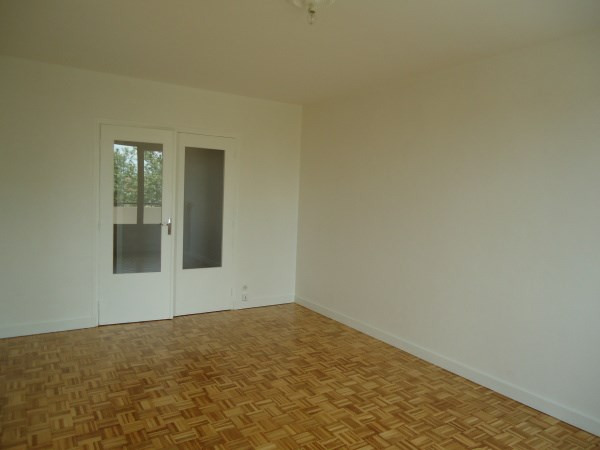 Rental apartment Pont de cheruy 646€ CC - Picture 3
