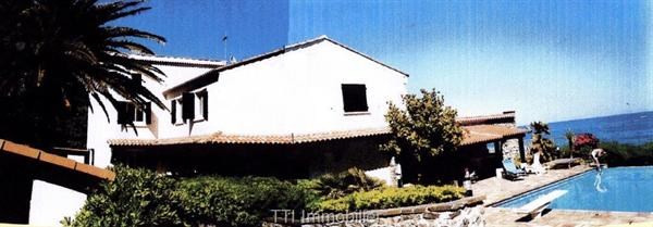 Deluxe sale house / villa Sainte maxime 3350000€ - Picture 1