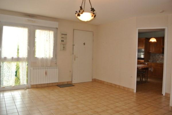 Rental apartment Saint romain de jalionas 685€ CC - Picture 3