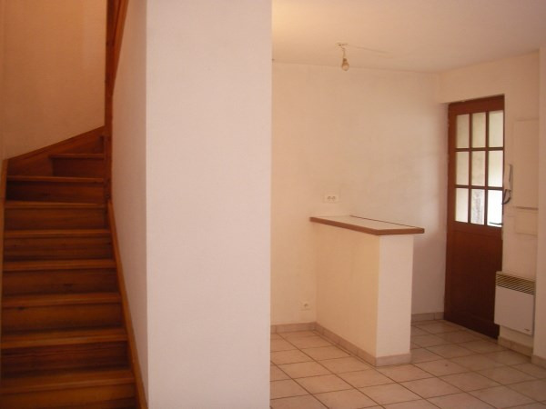 Location appartement Ambronay 350€ CC - Photo 1