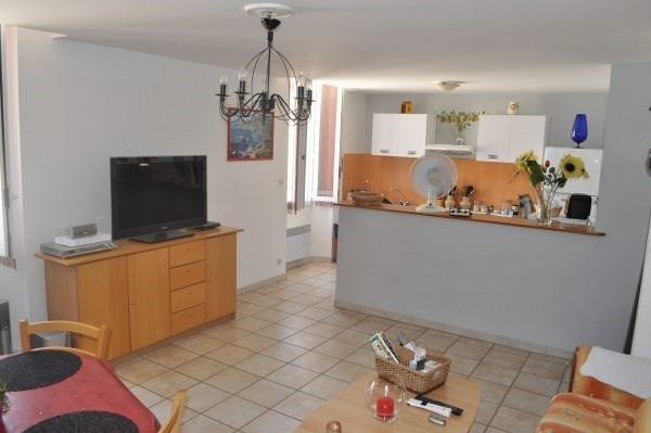 Location appartement Marseille 16ème 770€ CC - Photo 2
