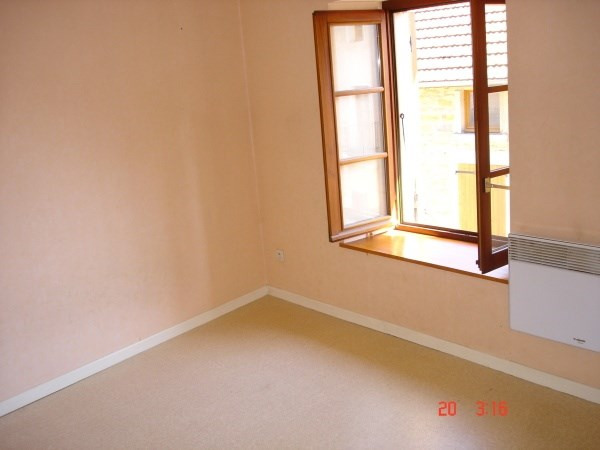 Rental apartment Hieres sur amby 180€ CC - Picture 2