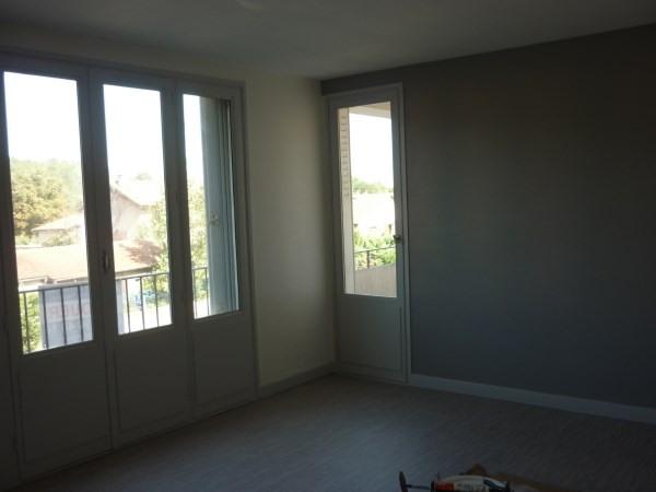 Location appartement Pont de cheruy 585€ CC - Photo 2
