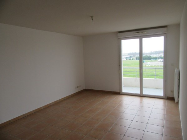 Location appartement La salvetat st gilles 486€ CC - Photo 1