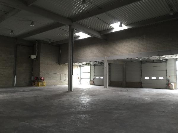 Location Local d'activités / Entrepôt Élancourt 0