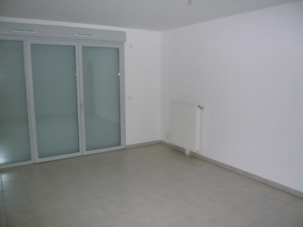 Location appartement Cremieu 815€ CC - Photo 3