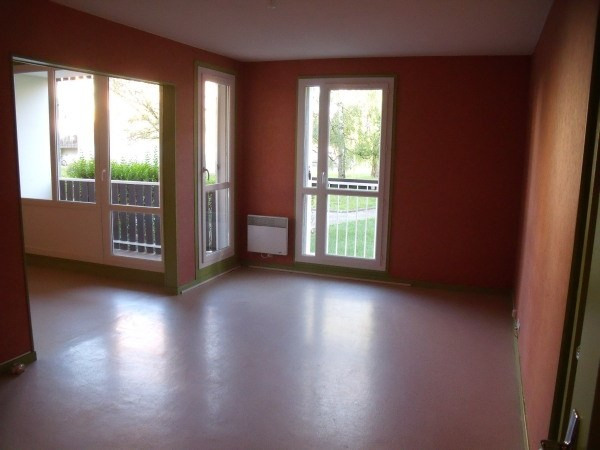 Location appartement Cremieu 787€ CC - Photo 3