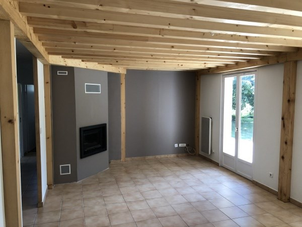 Location maison / villa Annoisin chatelans 890€ CC - Photo 3