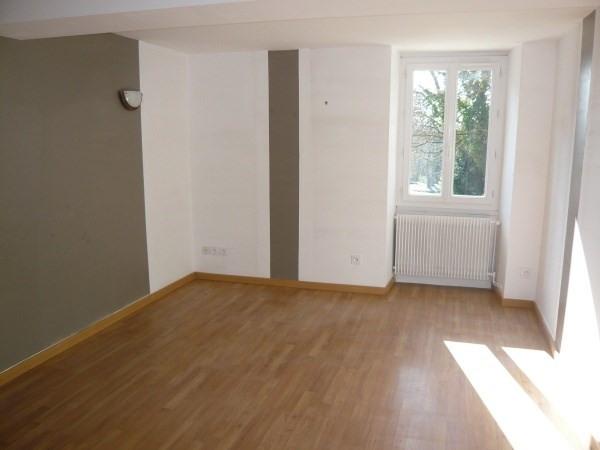 Rental house / villa Courtenay 795€ CC - Picture 2