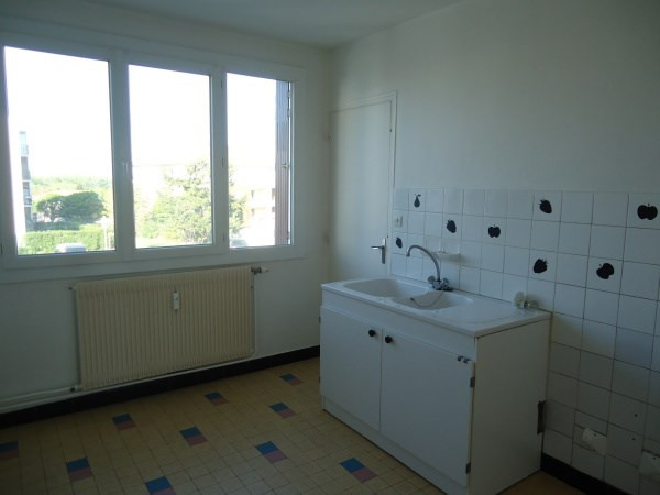 Rental apartment Pont de cheruy 630€ CC - Picture 3