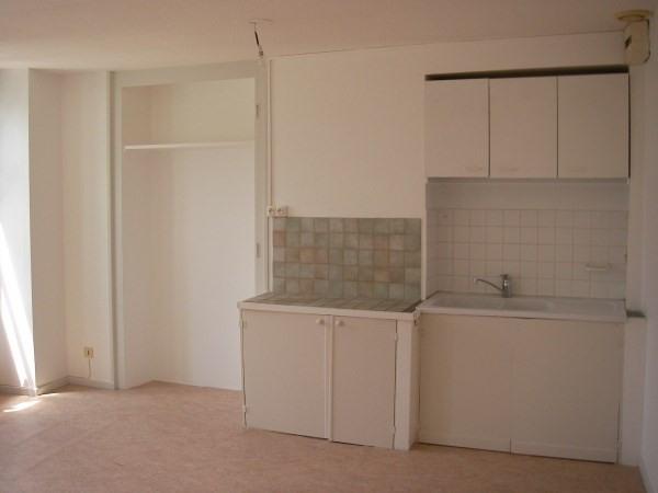 Rental apartment Montalieu vercieu 250€ CC - Picture 4