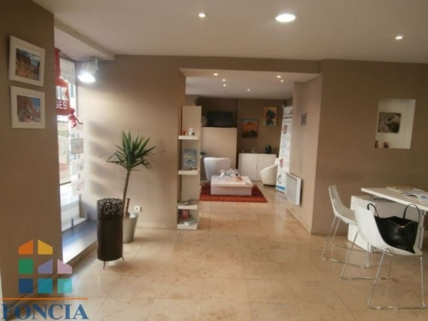 Location Local commercial Vienne 0