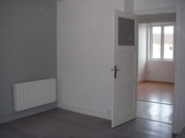 Rental apartment Pont d'ain 497€ CC - Picture 2