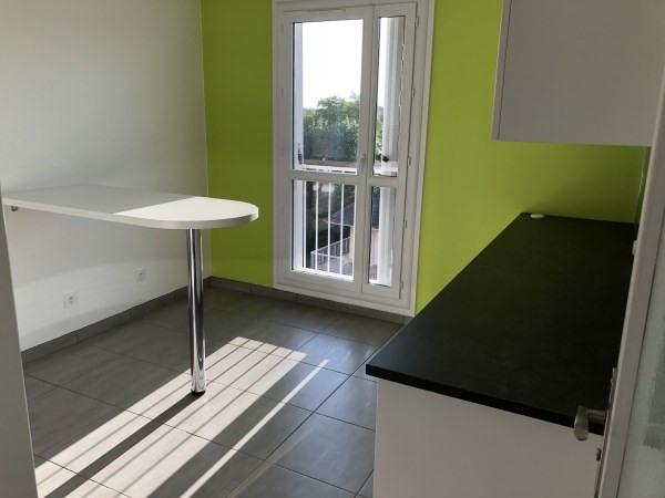 Rental apartment Cremieu 780€ CC - Picture 2