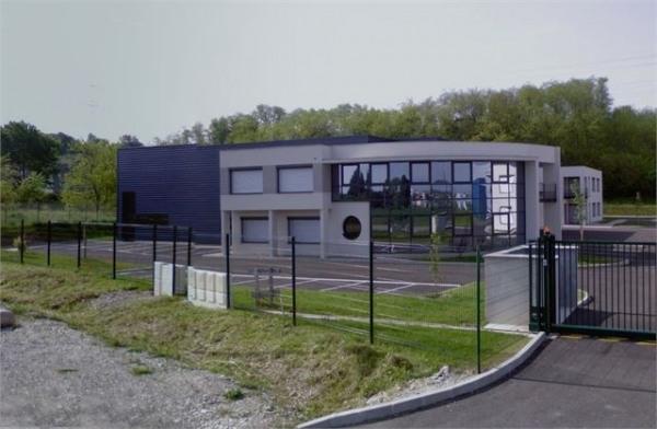 Location Local d'activités / Entrepôt Toussieu 0