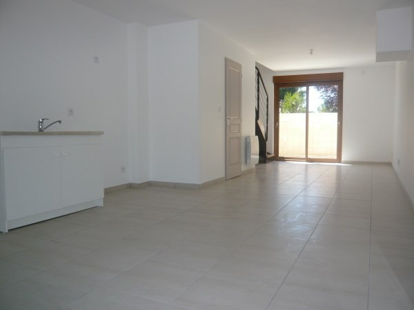 Rental apartment Chavanoz 710€ CC - Picture 2
