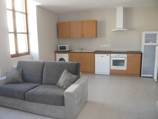 Rental apartment Cremieu 565€ CC - Picture 1