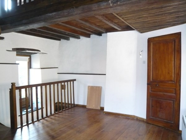 Rental house / villa Cremieu 595€ CC - Picture 3