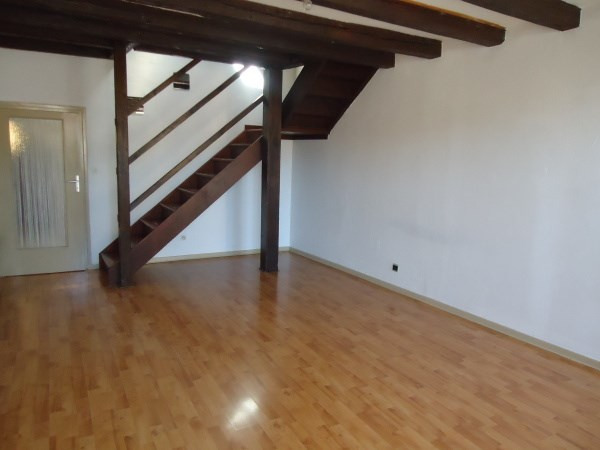 Rental apartment Cremieu 495€ CC - Picture 2
