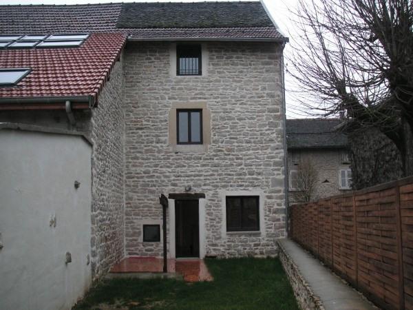 Location maison / villa Montalieu vercieu 610€ CC - Photo 1