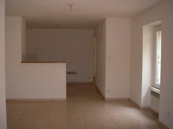Rental apartment Cerdon 410€ CC - Picture 2
