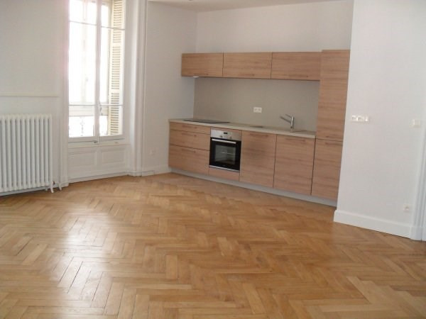 Location appartement Lyon 6ème 2 000€ CC - Photo 3