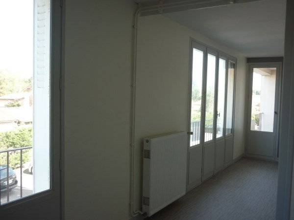 Location appartement Pont de cheruy 585€ CC - Photo 3