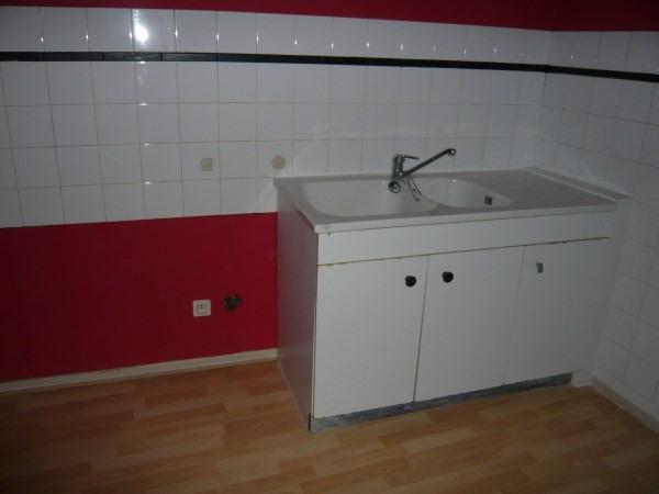 Rental apartment Cremieu 430€ CC - Picture 2