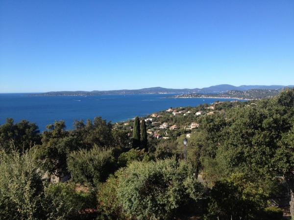 Petite villa vue panoramique mer et golfe de Saint-Tropez