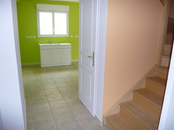 Location maison / villa Chozeau 823€ CC - Photo 4
